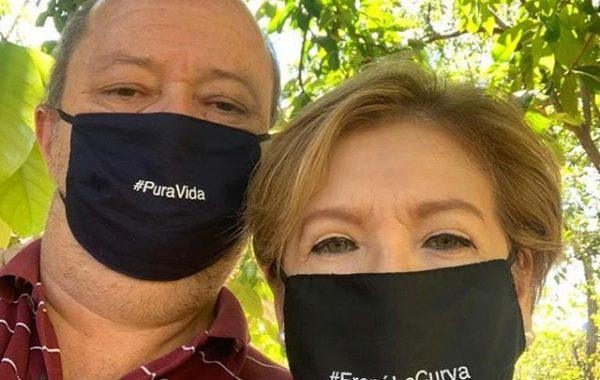 Costa Rica-masks4allcr-masks4allse-sweden-couple